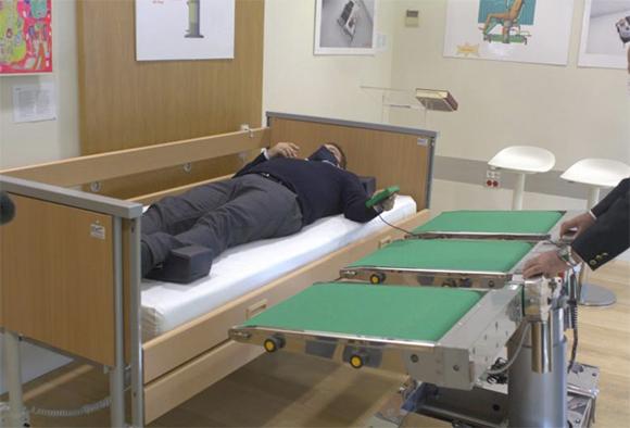 Imagen de la camilla para personas con movilidad reducida que ha ganado el premio a la mejor innovación.